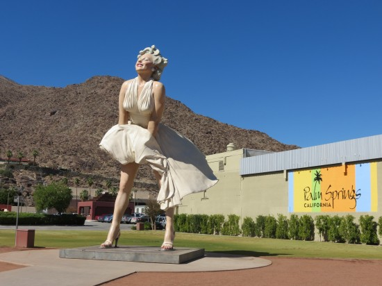 Giant Statue of Marilyn in Palm Springs
